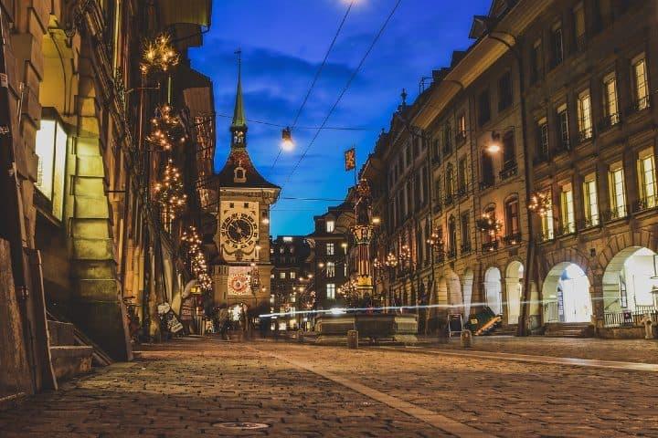 Camina en Berna de noche y disfruta de lo que Berna tiene para tí. Foto csr_ch