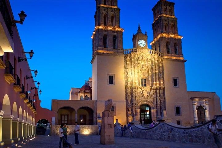 Catedral en Dolores Hidalgo. Créditos Periódico Correo.