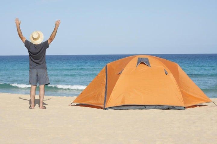 Consejos-para-acampar-en-la-playa-2