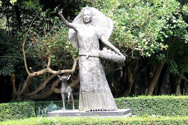 Escultura Dolores