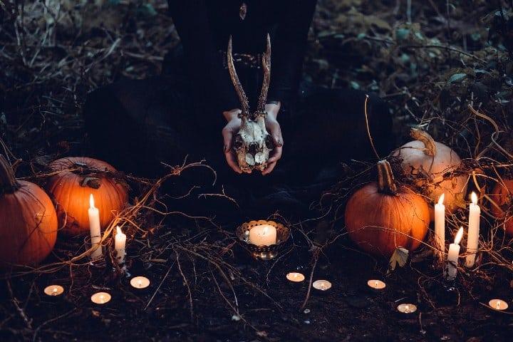 Ritual de unas brujas. Foto Pexels