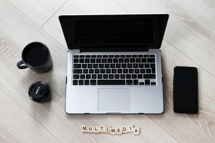 Foto multimedia.