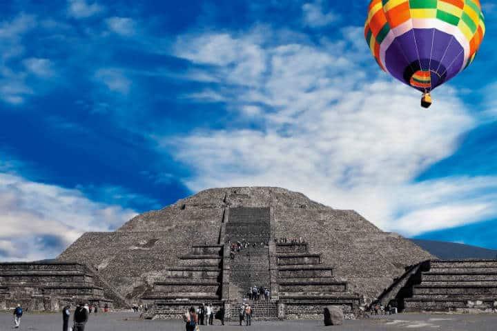 Globo aerostático en Teotihuacán. Estado de México. Foto: Operadora Vivelo