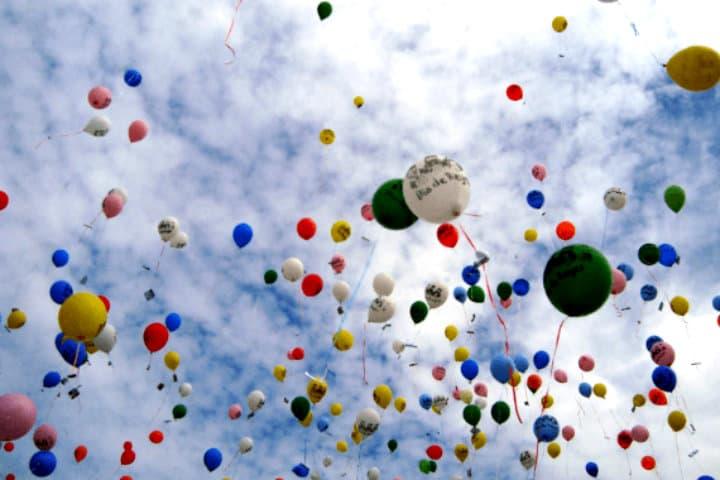 Las ultimas tendencias es evitar enviar las cartas en globos debido a la contaminación y peligro que representan para los ecosistemas Foto Noticias Va de Nuez