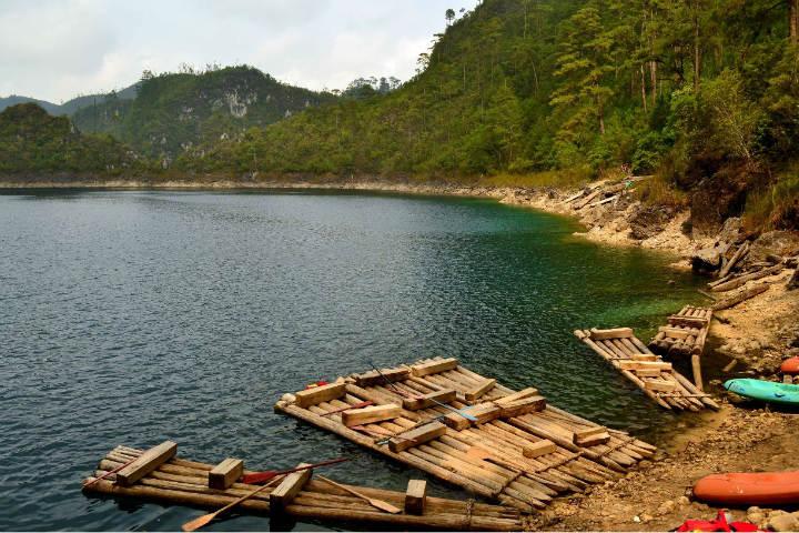 Paisajes impresionantes en el Parque Nacional Lagunas de Montebello. Foto. Viajes y Hoteles Chiapas Guatemala
