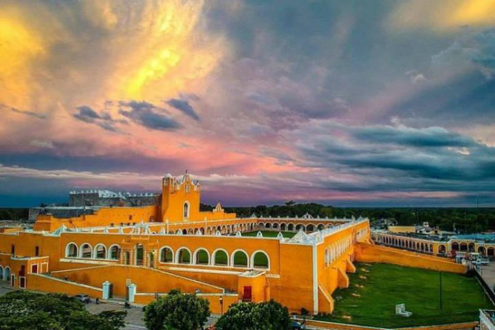 Pueblo mágico Izamal en Yucatán. Foto Viator.