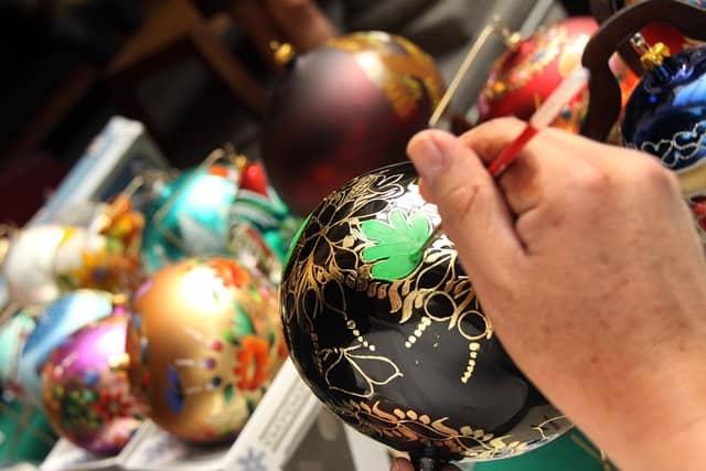 Artesan as mexicanas una costumbre que se lleva a casa for Elaboracion de adornos navidenos