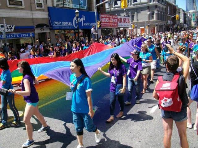 toronto-gay-pride-640px-480px-12