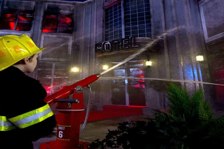bomberos en kidzania