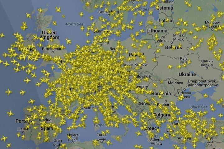 Flightradar24 el rastreador de vuelos. Foto: Archivo.