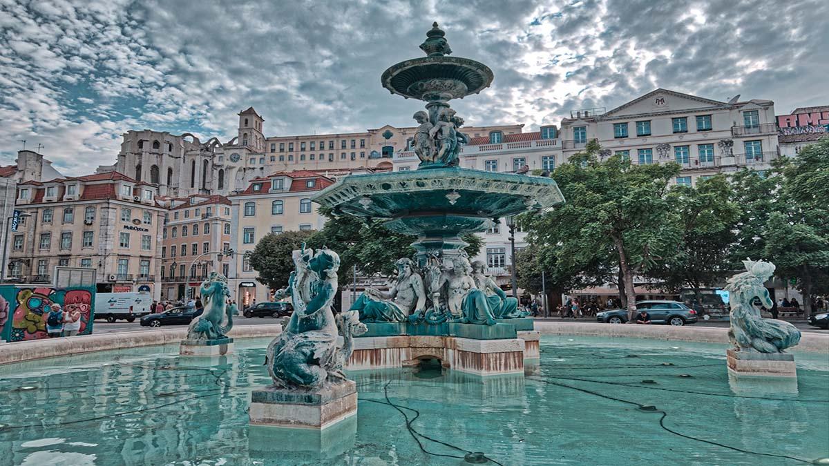 Portada La plaza de Rossio. Portugal. Foto. Rui Parreira