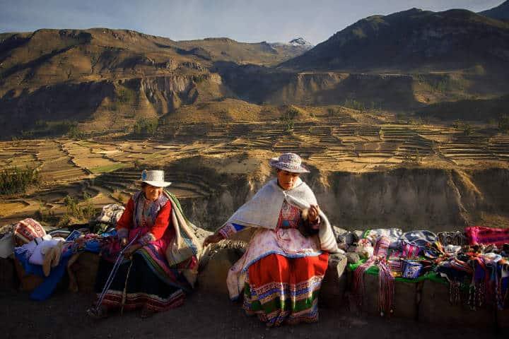 Mujeres en Valle Colca. Perú. Foto Pedro Szekely 4