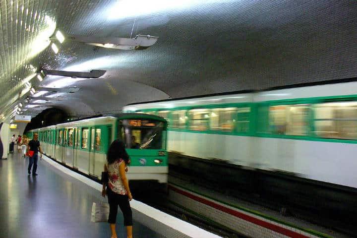 En el Metro de París. Francia. Foto Archivo 4