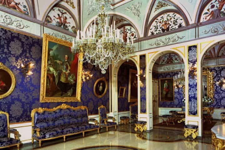 Palacio de los Grimaldi, Turismo de lujo en Mónaco. Foto Mónaco.