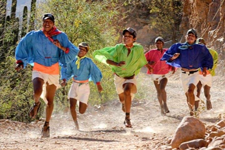 Rarámuri de la Sierra. Foto: upsocl.com
