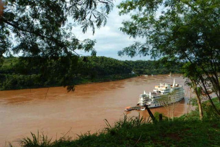 Río Iguazú del lado argentino. Foto Archivo.