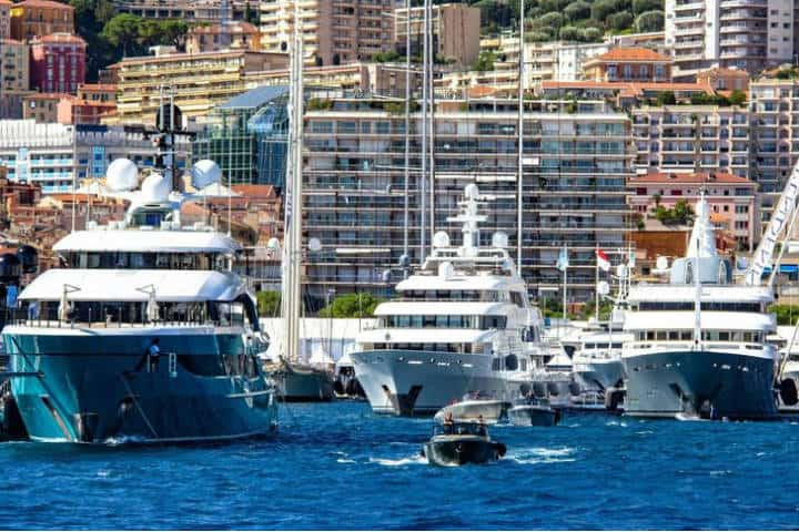 Yacht en Mónaco. Foto SuperYacht Times.
