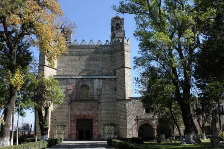Convento de San Miguel Arcángel. Foto  Wikipedia.