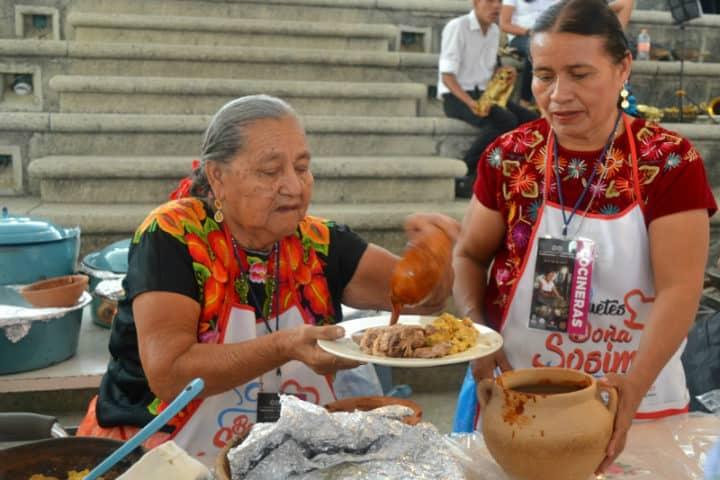Cocineras tradicionales. Foto. La Mascarada