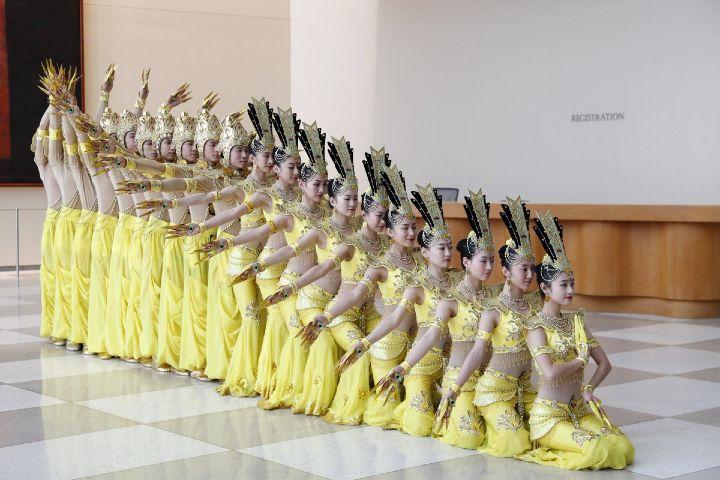 Twitter Foto: La danza de las mil manos