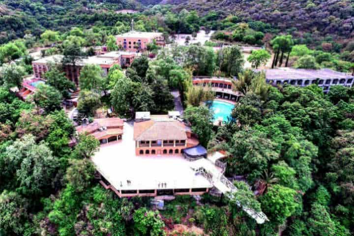 Hotel Hacienda Cola de Caballo en Santiago Nuevo León Foto Yisús Twitter