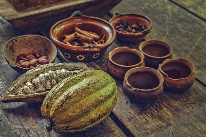 Mezcal, insectos y chocolate, México. Foto: Gaspar Emilio Segura López