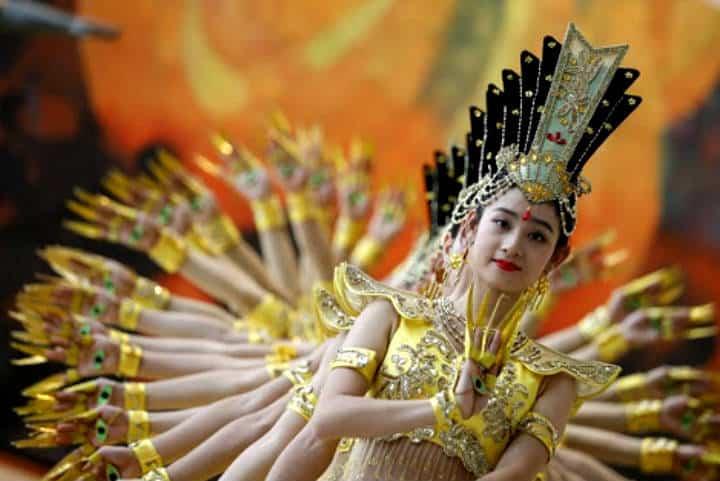 La danza de las mil manos. Foto spanish.peopledaily.com.cn.