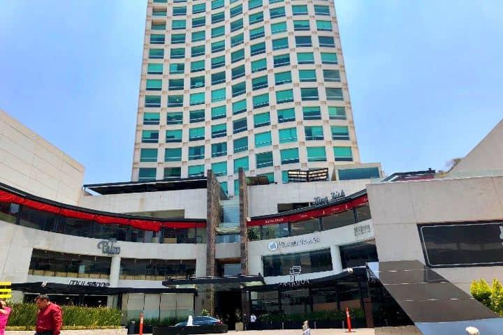 Fachada del hotel Foto inmbuebles24 com (1)