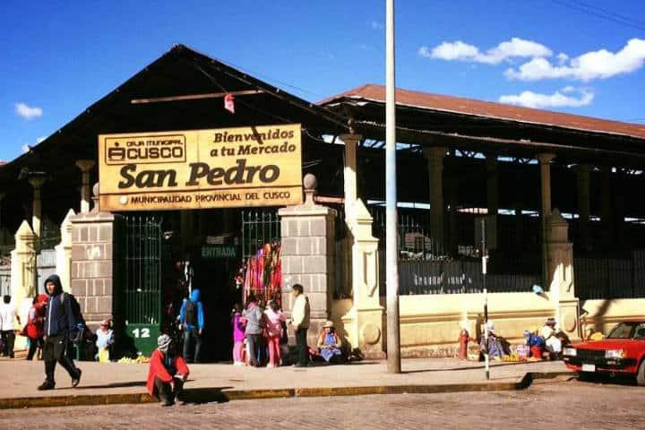 La entrada del Mercado Central de San Pedro Cusco Perú Foto Mis viajes por ahí