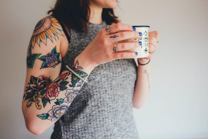 Los tatuajes ya es algo normal ¿Porque no te haces uno. FotoAnnieSpratt