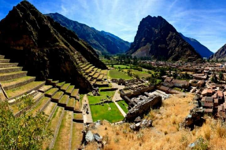 Ollantaytambo antigua capital de la resistencia inca Ciudad Valle Sagrado Cusco Foto Willka Travel