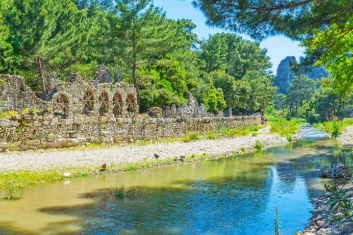 Olympos ciudad con riqueza arqueológica Foto Dreamstime