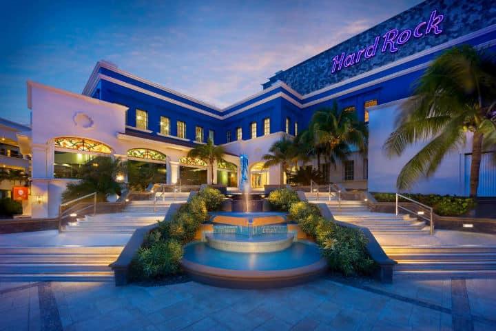 entrada al hard rock cancun
