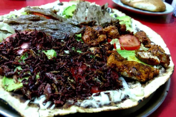 tlayuda-comida-oaxaquena Chilango