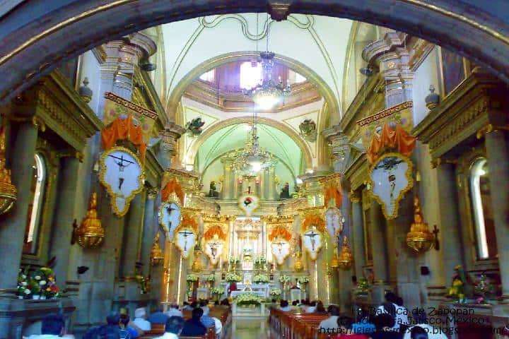 Altar de la Basílica de la Virgen de Zapopan Foto flickr com (1)