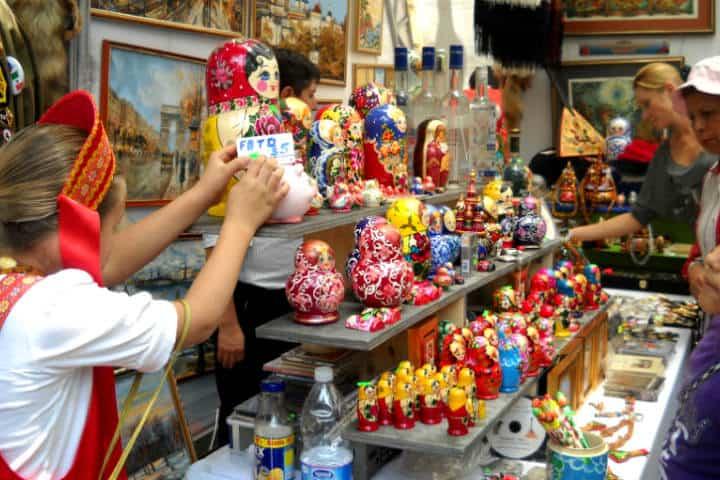 Aprovecha y adquiere algo típico de cada país invitado Foto Ciudad Viva