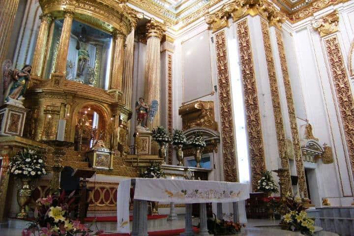 Interior del santuario del Señor de Chalma Foto flickr com (1)