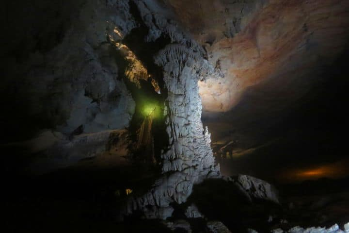 Maravillas dentro de la cueva. Foto: desenfocandoelcamino.wordpress.com
