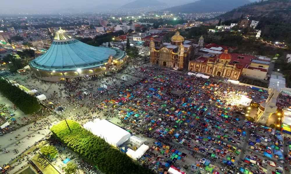Turismo religioso en la Basílica de Guadalupe Foto posta com mx (1)
