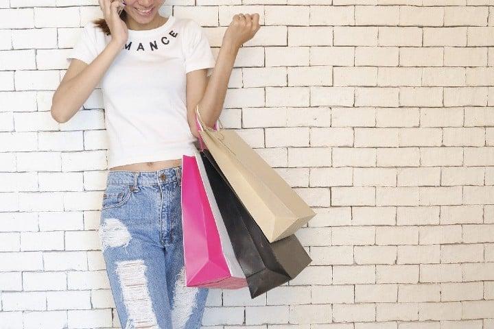 Ve y disfruta una tarde llena de compras en tus tiendas favoritas. Foto StockSnap