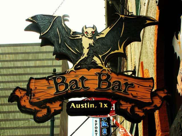 austin-bats-bridge-640px-480px-04