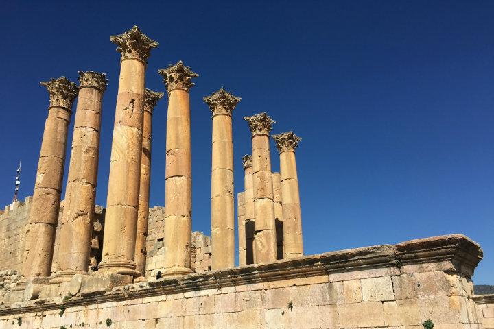 Las columnas de los Templos de Artemisa y Zéus serán un punto importante en este video de viaje por Jordania Foto Abhishek Choudhary