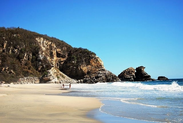 acampar-playa-mexico-la-ventanilla-640px-429px