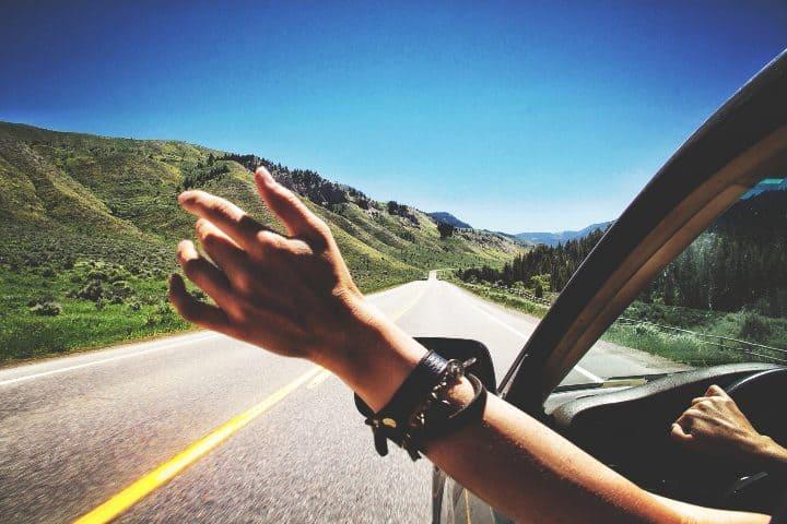 Viaje en auto Foto medium com