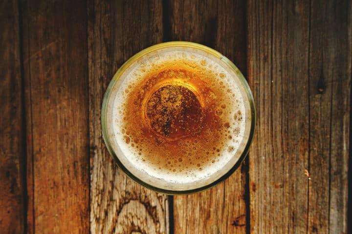 Existen distintas variedades de cerveza, esta es una Lager Imagen de Ernesto Rodriguez en Pixabay