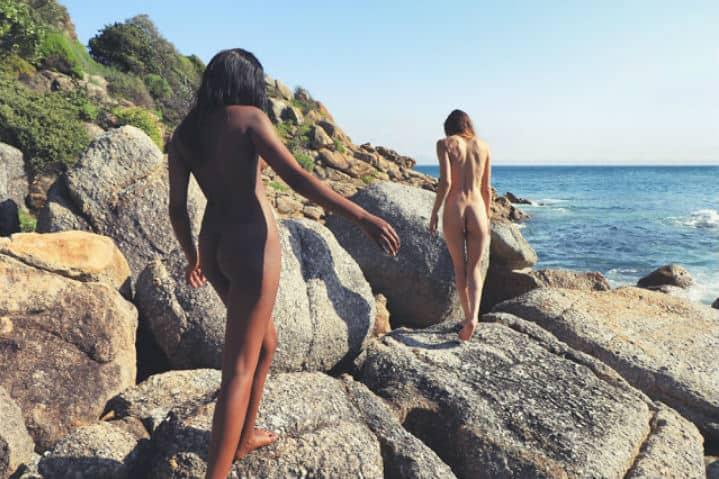 Lo-importante-es-sentirse-libre-en las-mejores-playas-Nudistas-Gay-Foto:-MyNudeBeaches-3