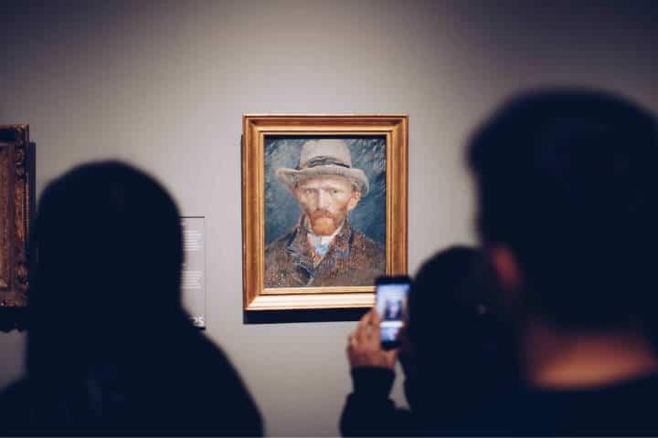 Qué hacer si llueve en tus vacaciones. Visita un museo. Foto. Stale 6