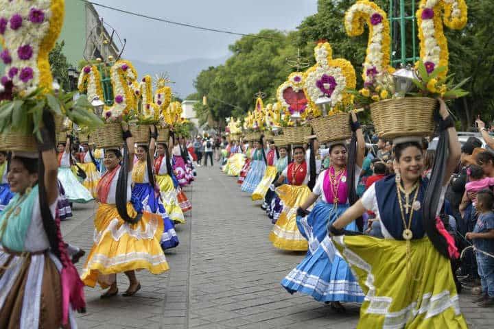 Un espectáculo multicolor Foto Municipio de Oaxaca