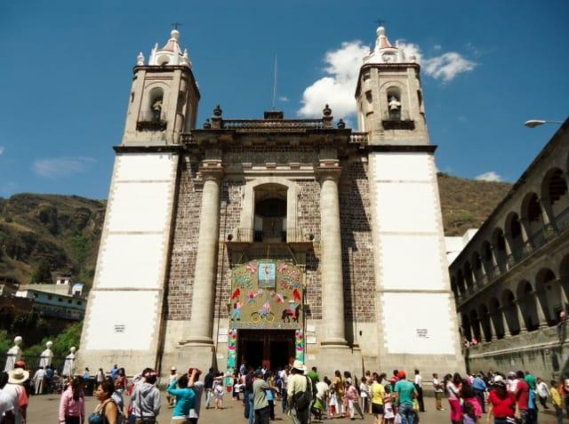 fachada iglesia chalma