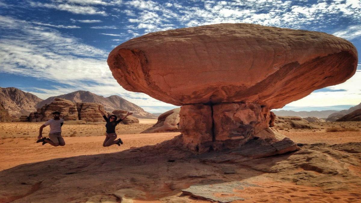 mushroom-rock-wadi-rum